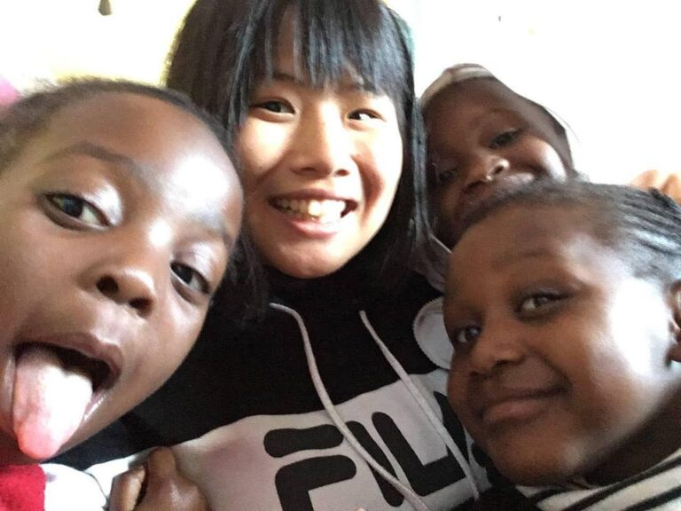 第158回とまりぎインタビュー:伊藤百花さん【南アフリカの子どもたちと繋がる紙飛行機】